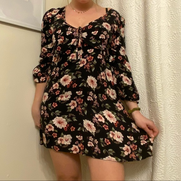 Urban Outfitters Dresses & Skirts - American eagle dress- size S